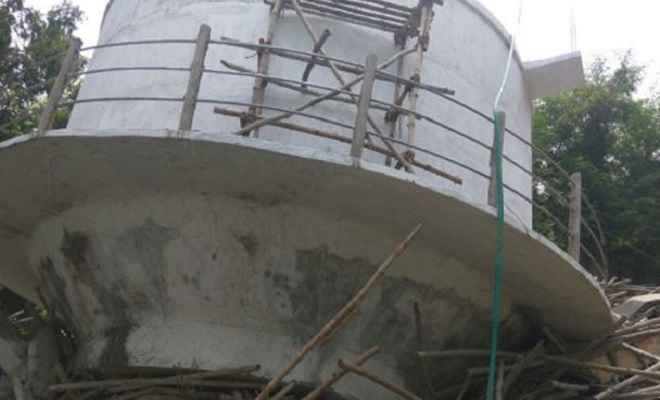 निर्माणाधीन पानी की टंकी का एक हिस्सा गिरा, मजदूर की मौत