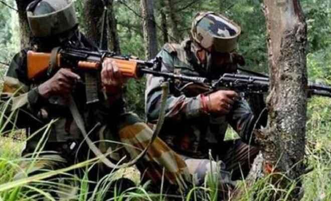 जम्मू/कश्मीर: पुलवामा में मुठभेड़ के दौरान दो आतंकी ढेर, दो जवान शहीद