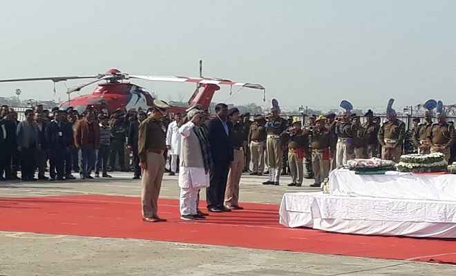 पटना एयरपोर्ट पर शहीद जवानों को दी गई सलामी