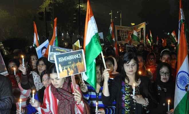पुलवामा हमले के खिलाफ यूएई में एकजुट हुए भारतीय, शहीद जवानों को दी श्रद्धांजलि