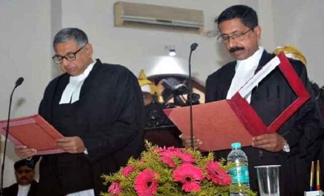 न्यायधीश संजय कुमार द्विवेदी और न्यायधीश दीपक रोशन ने झारखंड हाईकोर्ट के नए जज के तौर पर ली शपथ
