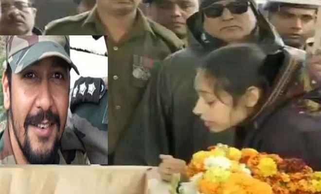 नम आंखों से हजारों लोगों ने शहीद मेजर ढौंडियाल को दी विदाई, गंगा तट पर हुआ अंतिम संस्कार