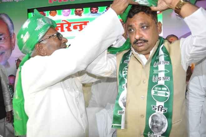 जदयू में शामिल हुए प्रसिद्ध समाजसेवी नरेंद्र सिंह, कहा – नीतीश कुमार हैं प्रेरणा