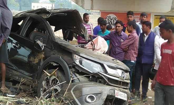 सड़क दुर्घटना में जदयू के वरिष्ठ नेता व जिला परिषद पति सहित 7 गंभीर रूप से घायल