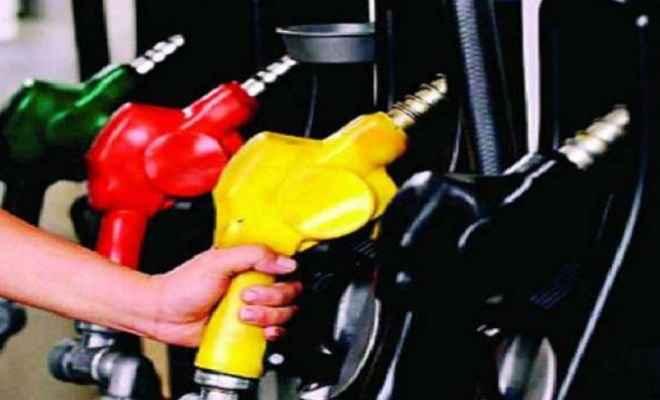दिल्ली में पेट्रोल 72 रुपये के पार, डीजल  के दामों में रही उछाल