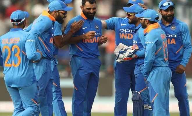 ऑस्ट्रेलिया ने भारत के सामने जीत के लिए 273 रनों का रखा लक्ष्य