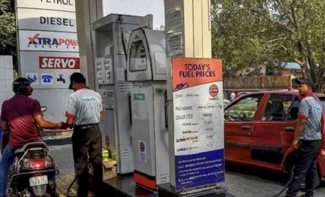 पेट्रोल और डीजल की कीमतों पर लगा ब्रेक, जानिए आज का भाव