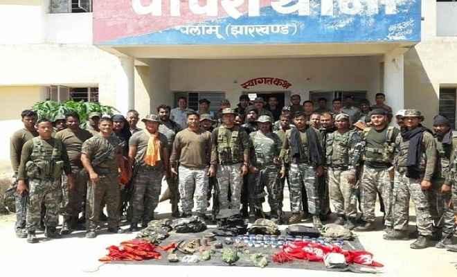 सुरक्षाबलों को सर्च अभियान के दौरान मिली सफलता, भारी मात्रा में विस्फोटक और हथियार बरामद