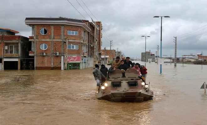 ईरान के शिराज़ शहर में आई भीषण बाढ़ से 19 लोगों की मौत, कई घायल