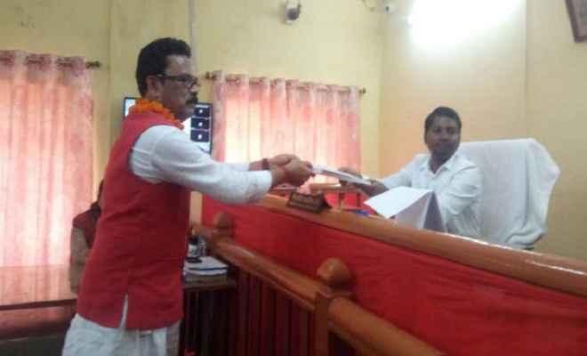 लोहरदगा संसदीय सीट से कांग्रेस प्रत्याशी सुखदेव भगत ने किया नामांकन