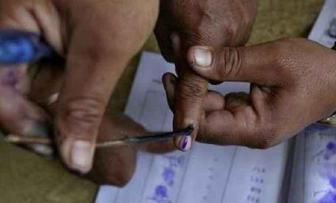 उत्तर प्रदेश: पहले चरण की आठ लोकसभा सीटों पर कड़ी सुरक्षा के बीच मतदान जारी