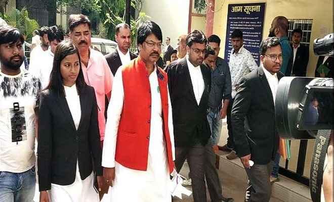 पूर्व मंत्री योगेंद्र साव ने रांची सिविल कोर्ट में किया सरेंडर