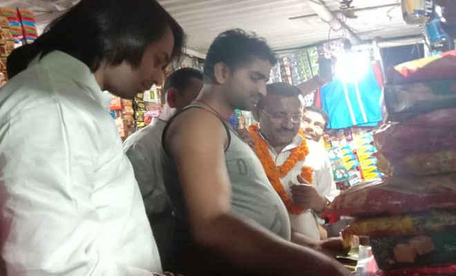 पूर्व स्वास्थ्य मंत्री  तेजप्रताप ने  मोतिहारी के चिरैया किया रोड शो- शिवहर में अंगेश के समर्थन में मांगे वोट