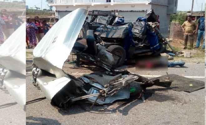 नामकुम के पास भयंकर सड़क हादसा, बोलेरो-ट्रक की टक्कर में 7 लोगों की मौत