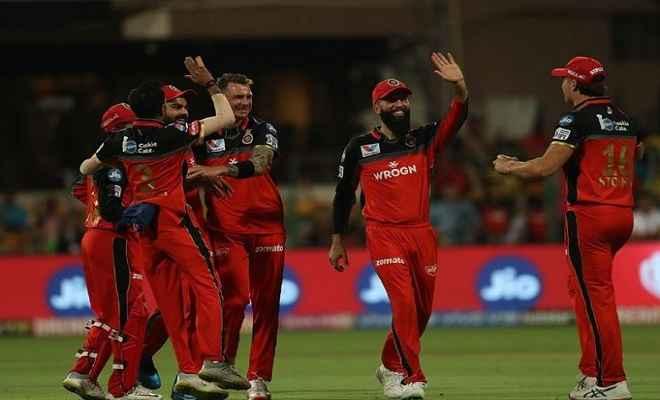आईपीएल: धोनी की विस्फोटक पारी बेकार गई, आरसीबी ने चेन्नई को 1 रन से हराया