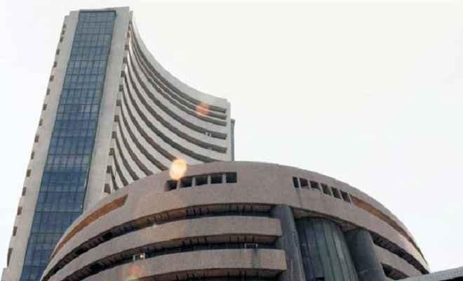 शेयर बाजार: बैंक, आईटी कंपनियों के बल पर सेंसेक्स में 490 अंक का उछाल