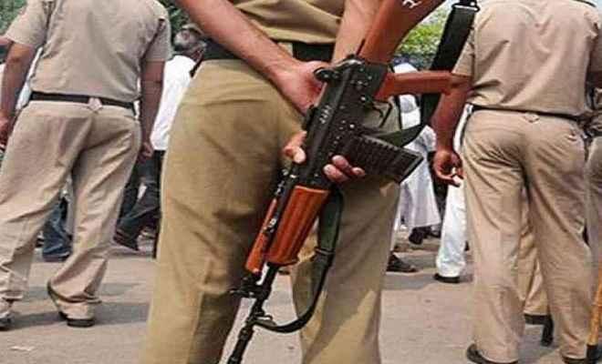 पुलिस के साथ मुठभेड़ में 50 हजार इनामी हार्डकोर नक्सली ढेर, तीन गिरफ्तार