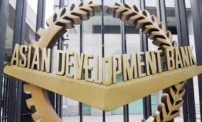 पाकिस्तान की आर्थिक संकट दूर करेगा एशियाई विकास बैंक, देगा एक अरब डॉलर का कर्ज