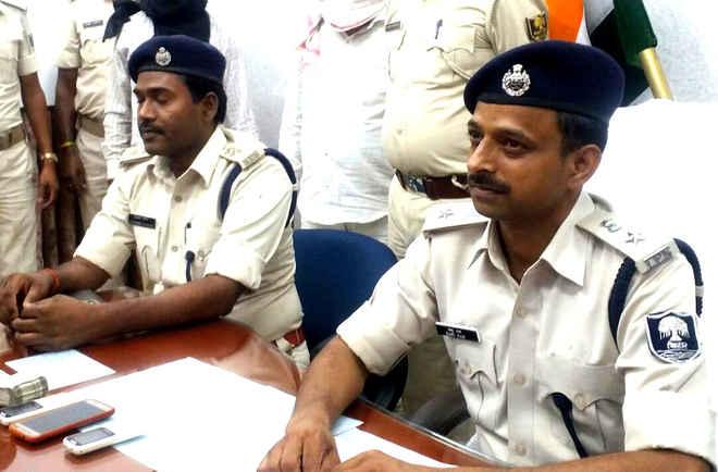 दरभंगा पुलिस ने लूटकांड के 3 आरोपियों को किया गिरफ्तारी, लूट के 63 हजार रुपये बरामद