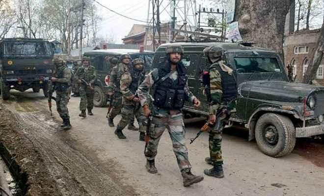जम्मू-कश्मीर: पुलवामा सेक्टर में सुरक्षाबलों और आतंकियों के बीच मुठभेड, एक आतंकवादी हुआ ढेर