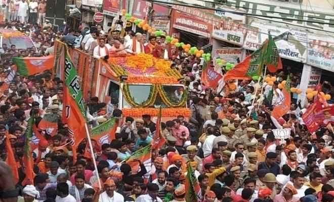 लोकसभा चुनाव: शाह के रोड शो और योगी आदित्य नाथ की जनसभाओं ने बदली गोरखपुर की चुनावी फिजा