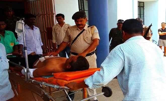 पुलिस और नक्सलियों के बीच मुठभेड़ में तीन जवान घायल, सघन सर्च ऑपरेशन जारी