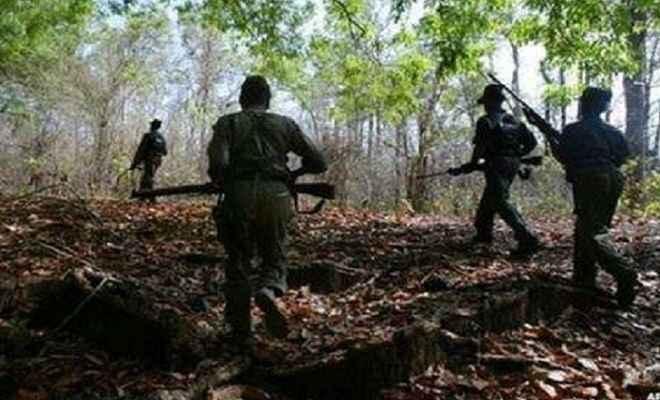 छत्तीसगढ़ः सुकमा जिले में नक्सलियों ने किया आईईडी ब्लास्ट, जिला रिजर्व गार्ड के दो जवान घायल