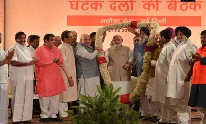 अमित शाह के रात्रिभोज में शामिल हुए 36 दल, प्रधानमंत्री मोदी के नेतृत्व पर फिर जताया भरोसा