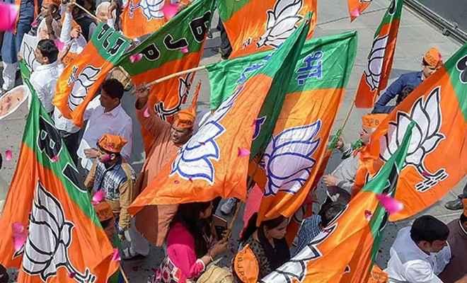 असम: कांग्रेस की सीटों पर भी भारतीय जनता पार्टी का कब्जा, चला ''मोदी लहर''