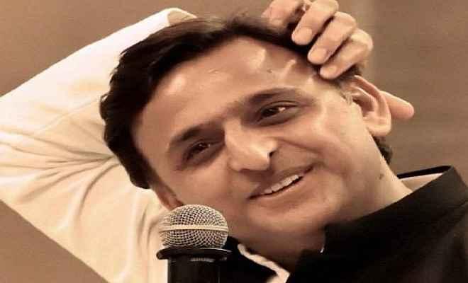 जीतकर भी हार गए सपा प्रमुख अखिलेश यादव, समर्थक जीत की खुशी तक नहीं मना सके