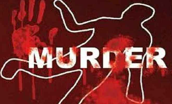 कुशीनगर में दामाद ने अपने सास-ससुर को धारदार हथियार से काटकर मार डाला