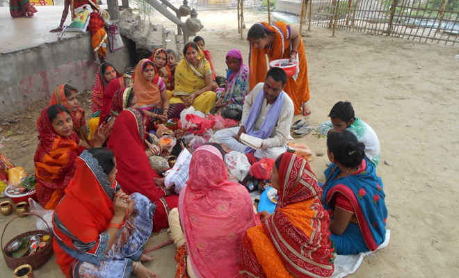 महिलाओं ने मनाया वट सवित्री व्रत, मांगी मन्नतें