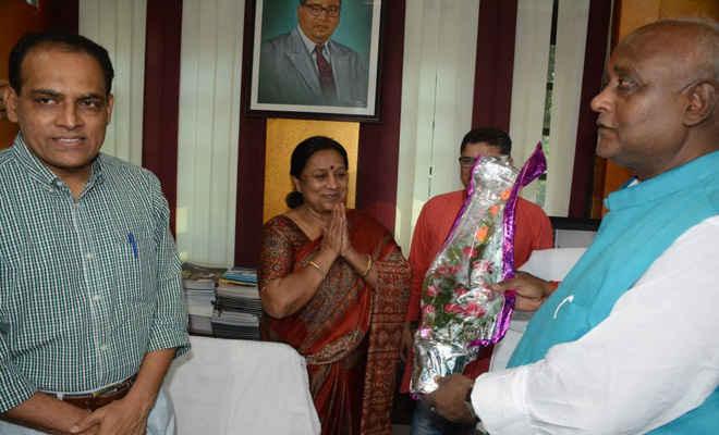 मंत्री प्रमोद कुमार ने संभाला कला, संस्कृति एवं युवा विभाग का पदभार, कहा- क्रिकेट व भोजपुरी सिनेमा को देंगे प्राथमिकता