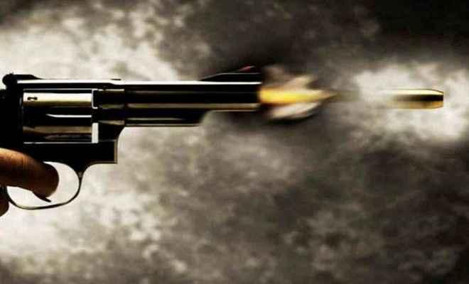 बेखौफ अपराधियों ने दिनदहाड़े युवक की गोली मारकर की हत्या