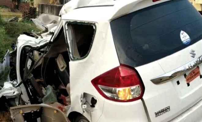 ट्रक और बोलेरो की भीषण टक्कर में दो महिला समेत तीन लोगों की मौत, 4 घायल