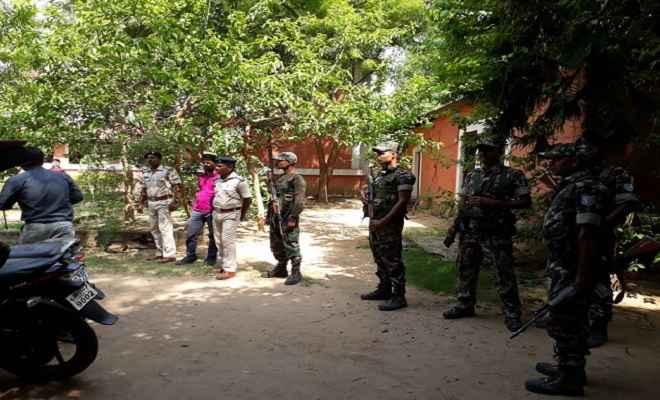 भीमा कोरेगांव हिंसा मामला: फादर स्टेन स्वामी के आवास पर महाराष्ट्र पुलिस ने मारा छापा