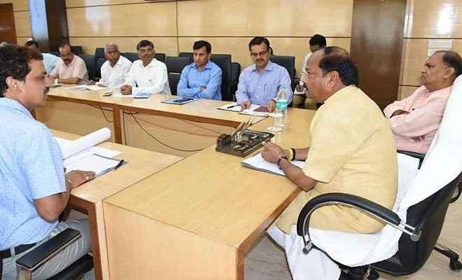 फ्लाईओवर निर्माण में सुरक्षा मानकों का अनुपालन सुनिश्चित करें: मुख्यमंत्री रघुवर