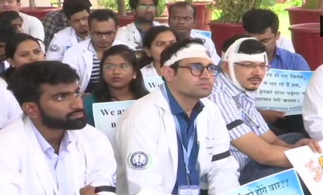 आज देशभर में डॉक्टरों की 24 घंटे की हड़ताल, ओपीडी समेत गैर-जरूरी सेवाएं रहेंगी बंद
