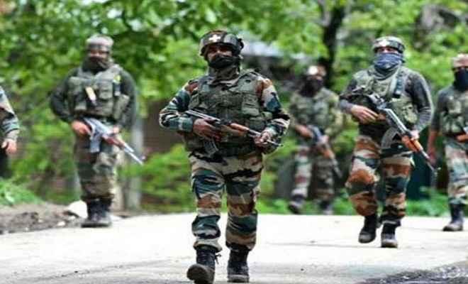 जम्मू/कश्मीर: अनंतनाग में आतंकियों से मुठभेड़ में मेजर शहीद, तीन जवान घायल