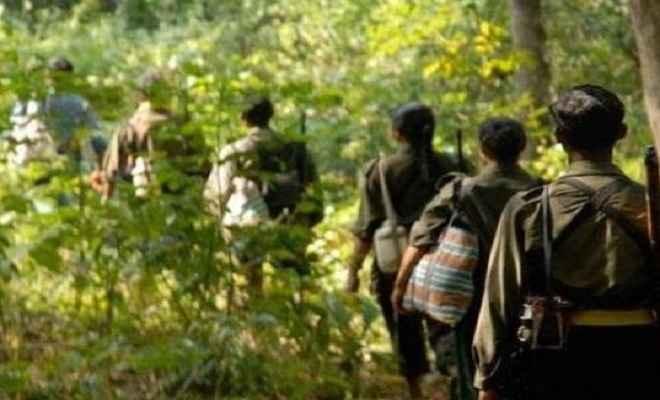 मुठभेड़ में दो लाख का इनामी एरिया कमांडर ढेर, सर्च अभियान जारी