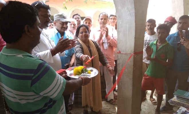 आदापुर के नकरदेई पंचायत भवन में आरटीपीस काउंटर का शुभारंभ