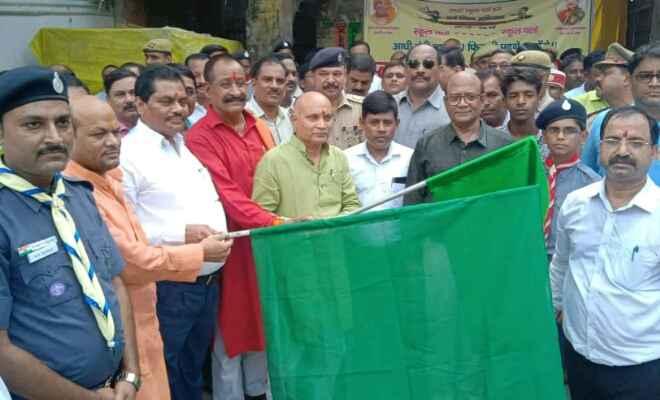 कुशीनगर मे निकाली गई संयुक्त योजनाओं की रैली