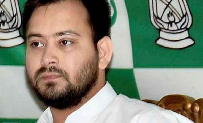 विधानसभा का मॉनसून सत्र: पांचवें दिन सदन पहुंचे नेता प्रतिपक्ष तेजस्वी यादव, राजद ने मेज थपथपाकर किया स्वागत