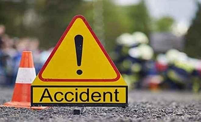 ट्रक और ऑटो की भीषण टक्कर में चार शिक्षकों सहित आठ की मौत