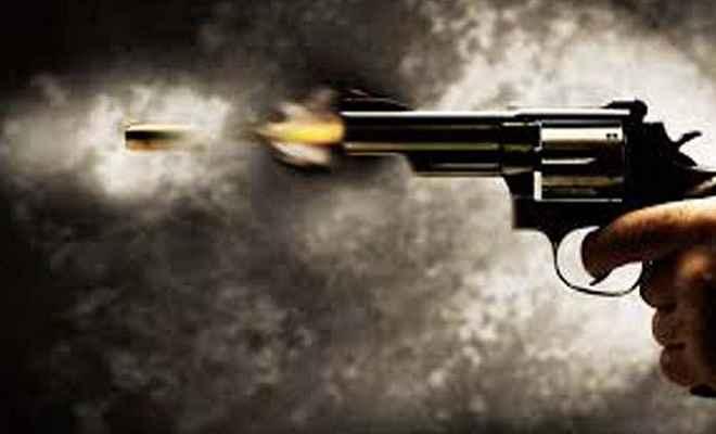 बेखौफ अपराधियों का कहर, घर लौट रहे भाजपा नेता को मारी गोली, घायल