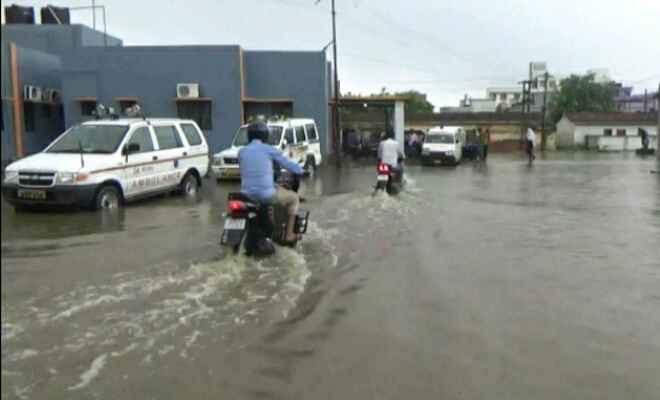 दरभंगा में एक दिन की बरसात ने नगर निगम की खोली पोल