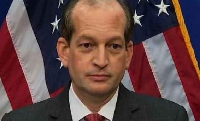 अमेरिका के श्रममंत्री एलेक्स अकोस्टा का इस्तीफा