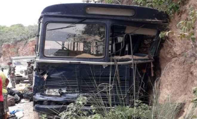 झारखंड में पुलिसकर्मियों की बस दुर्घटनाग्रस्त; 15 जवान जख्मी, पांच की हालत गंभीर