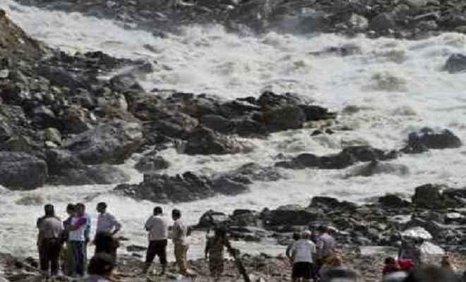 भूस्खलन और बाढ़ के कारण नेपाल में 17 लोगों की मौत