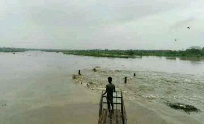 कुशीनगर में बाढ़ का खतरा मंडराने लगा